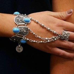 Jewelry - Silver Chain Finger Bracelet